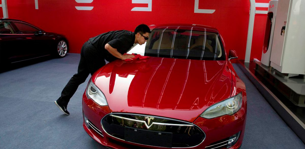Tesla-Announces-Leather-Free-Interiors-for-Model-3-Cars